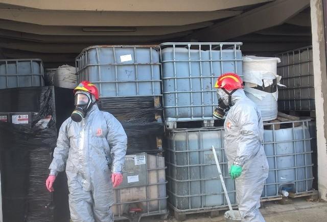 Trzy lata temu w magazynach dawnej Gminnej Spółdzielni w Borkowicach ujawniono około 1500 ton toksycznych odpadów. W czwartek, 27 maja w Sądzie Okręgowym w Poznaniu zapadł wyrok w tej sprawie. Pięcioro z oskarżonych zostało uniewinnionych. Trzech mężczyzn zostało skazanych na kary od roku do 3 lat bezwzględnego więzienia.