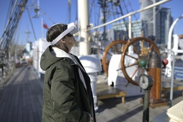 """Dar """"Pomorza"""" jest niekwestionowaną legendą morską i symbolem Gdyni. Teraz tajemnice i zakamarki żaglowca odkrywać można także przy pomocy specjalnego filmu i gogli."""