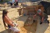 W Żaganiu powstanie nowy market, ale teraz plac budowy przejęli archeolodzy. Na starym łużyckim cmentarzysku odnaleziono niezwykłe artefakty