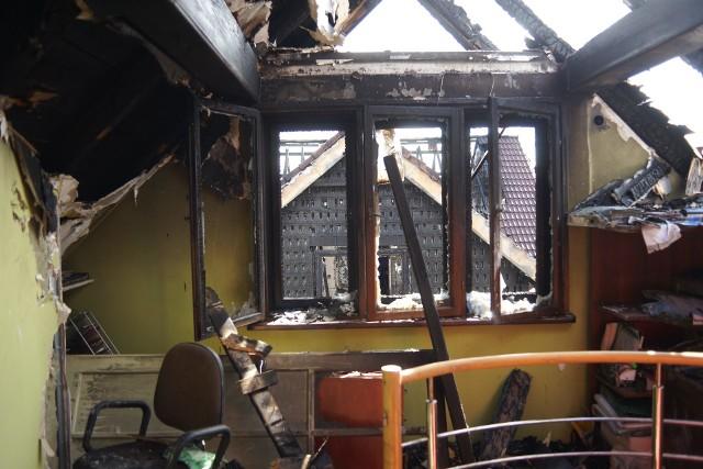 Wybierając materiały budowlane warto zwrócić uwagę na ich reakcję na ogień. Opisują to tzw. Euroklasy.