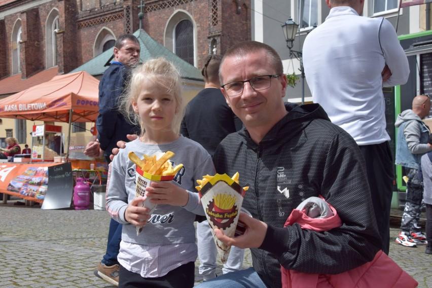 Pan Grzegorz Pietrowski z córką Jagodą przyjechali na...