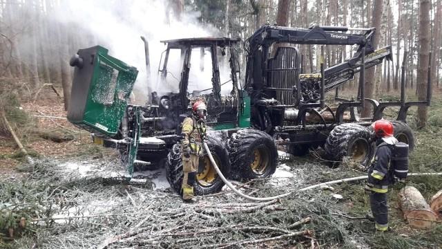 Do pożaru forwardera doszło 1 kwietnia na tereny Nadleśnictwa Trzciel.