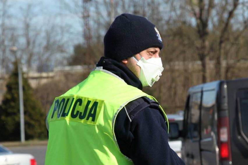 W piątek (27 marca) zielonogórscy policjanci skontrolowali 630 osób na kwarantannie.