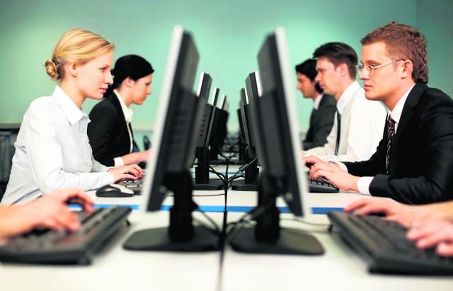 Najłatwiej do wycieków danych może dochodzić w przeróżnych małych call center, firmach kogucikach, w których jest ogromna rotacja pracowników. Ale kłopoty miewają i kolosy z najlepszymi zabezpieczeniami