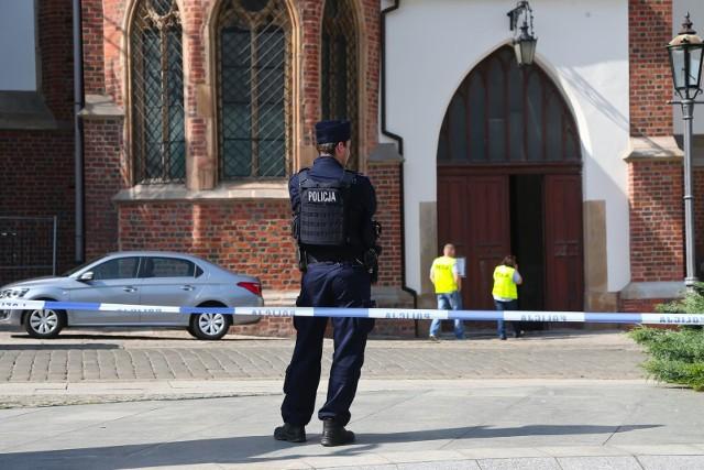 Ksiądz Ireneusz został zaatakowany nożem gdy wszedł do kościoła Najświętszej Marii Panny na Piasku