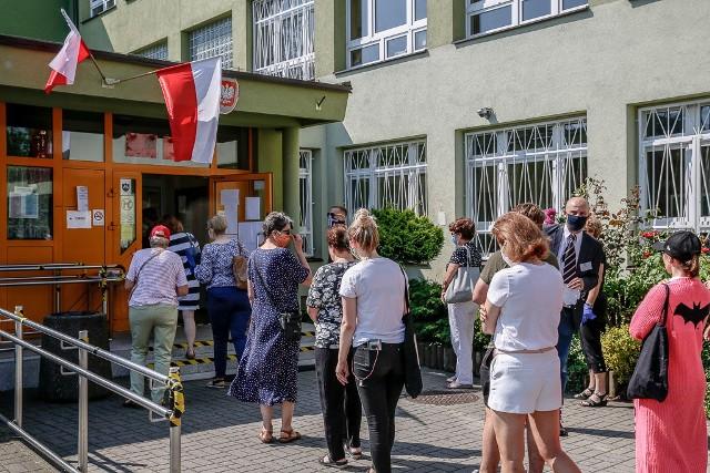 Wybory prezydenckie 2020 w Sopocie. Kolejki do lokali wyborczych