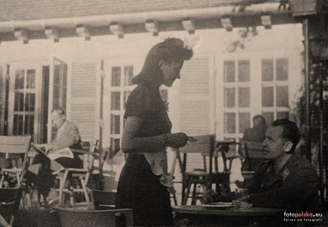 Lata 1940-1944 , Radom, park im. T.Kościuszki. Kawiarnia Latona. Dziś restauracja Parkowa.