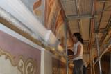 Przywracają blask malowidłom w kościele św. Jadwigi Śląskiej w Byczynie.  Byczyna i jej świątynia mają wspaniałą historię