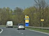 Nowe witacze przy wjazdach do Tarnobrzega. Tablice promują zamek i jezioro (ZDJĘCIA)