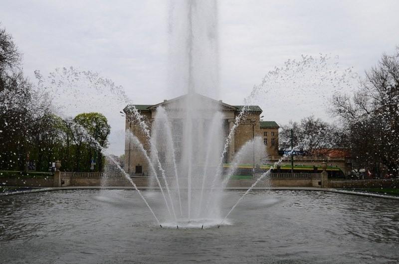 Fontanna przed Operą - jedna z najpopularniejszych w...