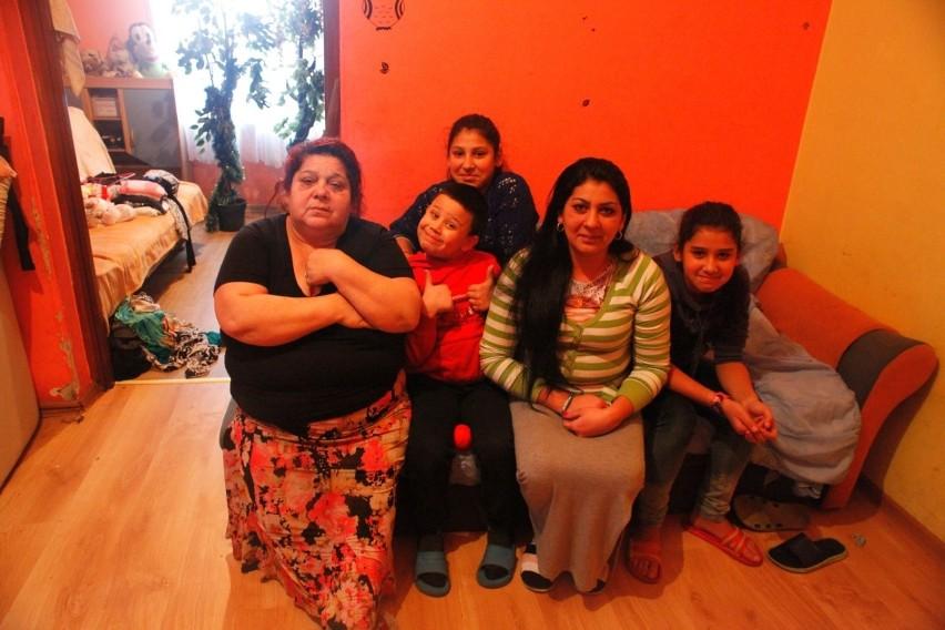 Rodziny romskie nie chcą opuszczać domu przy ul. Wąskiej
