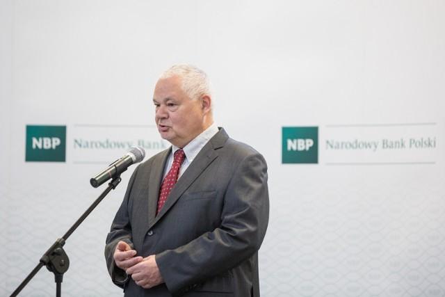 Narodowy Bank Polski udostępnił dane dotyczące zarobków prezesów w ostatnich latach. Ile zarabia się w NBP?