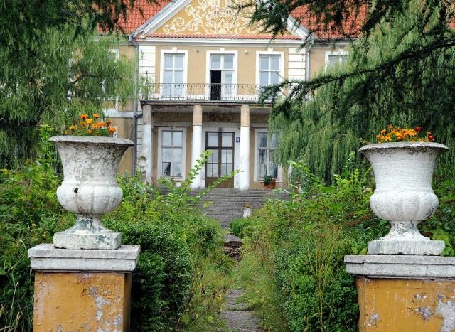 Uniwersytet Szczeciński w pałacu zamierza zorganizować m.in. dom Pracy Twórczej, miejsce sesji, konferencji, spotkań ludzi ze środowisk naukowych.