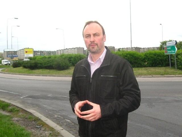 - Chcemy zaprowadzić ład nazewniczy w tej części miasta - mówi Paweł Skrzypczyński. - Dlatego proponujemy nazwać rondo imieniem rotmistrza Pileckiego.
