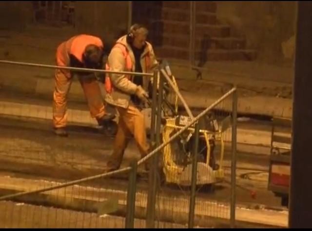 Robotnicy na ul. Narutowicza pracują także w nocy