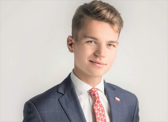 Inowrocławski radny Dobromir Szymański apeluje do swych kolegów z Rady Miejskiej o blokowanie budowy kolejnych marketów i stacji benzynowych w Inowrocławiu