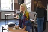 Sędzia Anna Maria Wesołowska odwiedziła młodzież ze szkół w gminie Gubin. Przeprowadzała warsztaty w zakresie edukacji prawnej