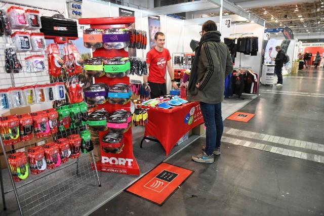 Rozpoczynającemu się w niedzielę 12. PKO Poznań Półmaratonowi po raz kolejny towarzyszą targi dla biegaczy i dla tych, którzy lubią aktywnie spędzać czas. Poznań Sport Expo w hali nr 3 na MTP to wydarzenie, które sprzyja temu, aby wraz z rozpoczęciem wiosny przygotować się do nowego sezonu startowego.Zobaczcie, co można kupić --->