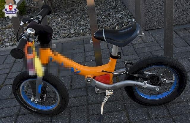 71-latek podczas skrętu w lewo nie zauważył małego chłopca, który jechał na rowerku biegowym