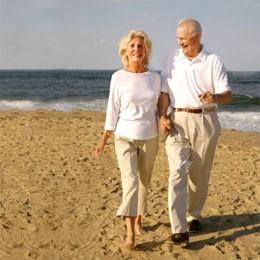 Świętokrzyski emeryt z wysokością emerytury nie wypada na tle kraju najgorzej. Żyje coraz nowocześniej i korzysta z wszelkich udogodnień, które niesie postęp technologiczny. Podróżuje, jest zupełnie innym emerytem niż jego rodzice.