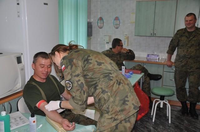 Podczas ostatniej akcji w bazie danych zarejestrowało się 270 osób, w większości żołnierzy 5 pa.