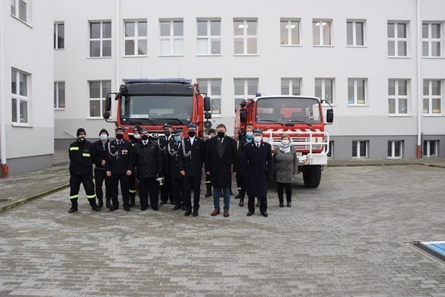 Jednostka Ochotniczej Straży Pożarnej w Wielkim Rychnowie otrzymała nowy samochód