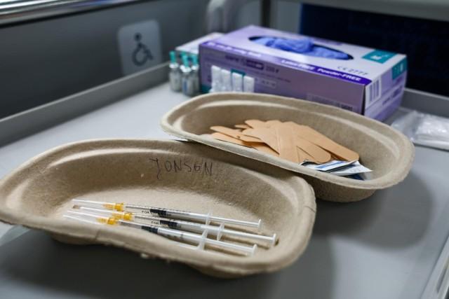 W pięciu gminach naszego regionu w pełni zaszczepiona jest już ponad połowa mieszkańców