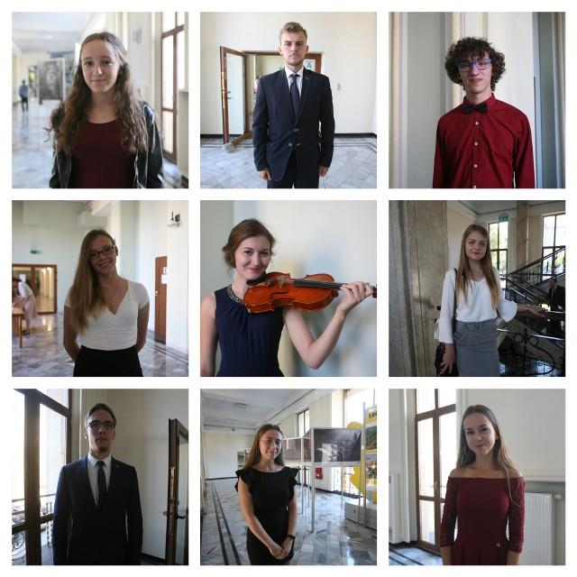 Oto nasi najlepsi uczniowie. Ceremonia wręczenia stypendiów dla najlepszych uczniów z województwa śląskiego odbyła się w Urzędzie Marszałkowskim Województwa ŚląskiegoPoznajcie ich >>>
