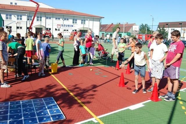 """Boisko wielofunkcyjne przy szubińskiej """"jedynce"""" jest miejscem wielu sportowych imprez. Czy podobnie będzie przy innych szkołach?"""