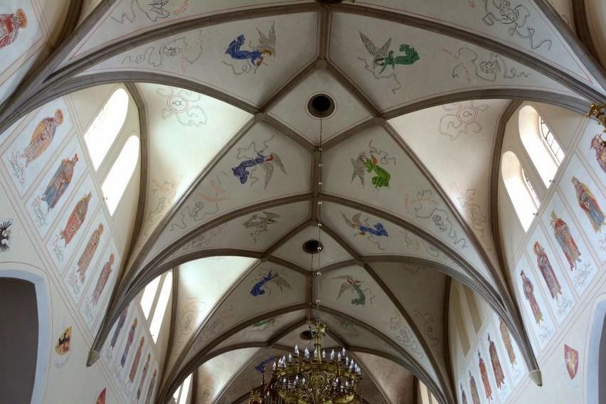 Tak po odrestaurowaniu. wyglądają malowidła ścienne kościoła farnego pod wezwaniem świętego Jana Chrzciciela w Radomiu.