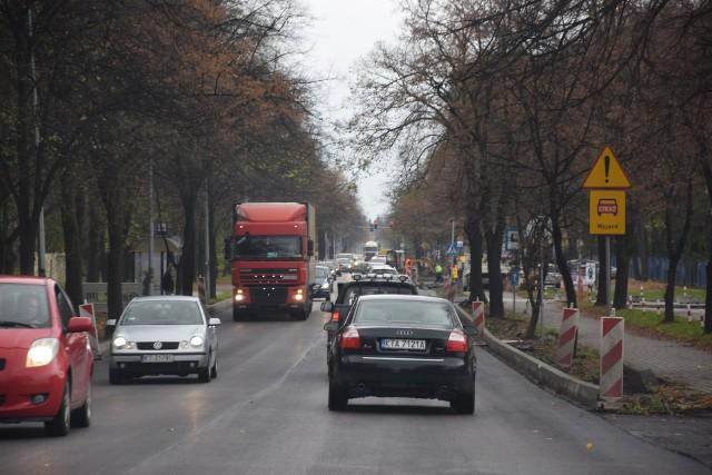Remont ul. Kwiatkowskiego powinien się zakończyć 15 grudnia. Liczą na to zwłaszcza  kierowcy, którzy mają dość stania w korkach