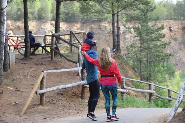Park Gródek w Jaworznie podczas weekendu odwiedziły tłumy. Pogoda dopisałaZobacz kolejne zdjęcia. Przesuwaj zdjęcia w prawo - naciśnij strzałkę lub przycisk NASTĘPNE