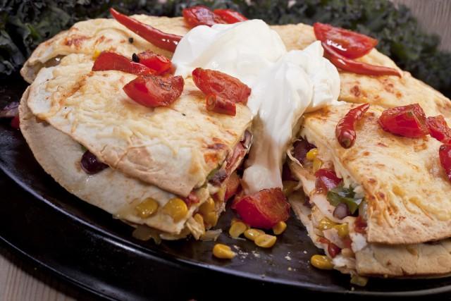 Quesadilla, czyli meksykańska tortilla z dodatkami