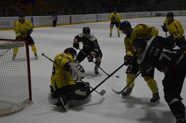 Orlik Opole przegrał z Naprzodem Janów 3:5.
