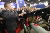 Prezydent Andrzej Duda gościł na salonie obronnym w Kielcach