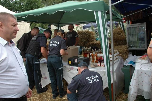 Kontrolą objęto wszystkie punkty sprzedaży napojów spirytusowych i alkoholowych funkcjonujące w ramach Festiwalu Smaku Gruczno 2017