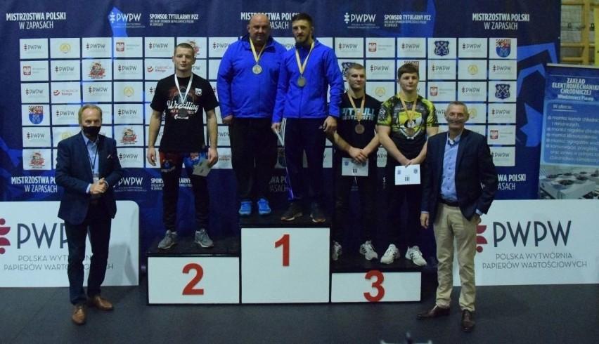 Dobrze spisali się zapaśnicy z powiatu staszowskiego na Mistrzostwach Polski Seniorów w Krotoszynie.