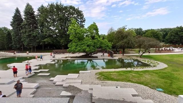 Czy Ogród Japoński jest dostosowany do potrzeb osób niepełnosprawnych?