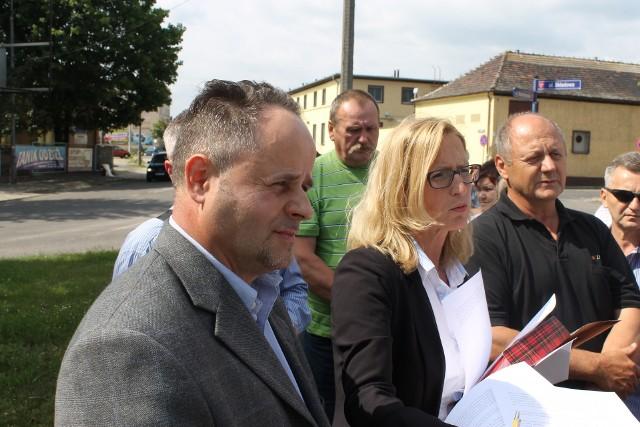W czerwcu 2016 roku akcjonariusze Odry, którzy zebrali się pod zakładem, wciąż jeszcze liczyli na porozumienie.