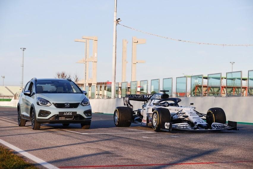Dwa wyścigi, jedno serce. Co samochody Hondy mają wspólnego z szybkimi bolidami Formuły 1?