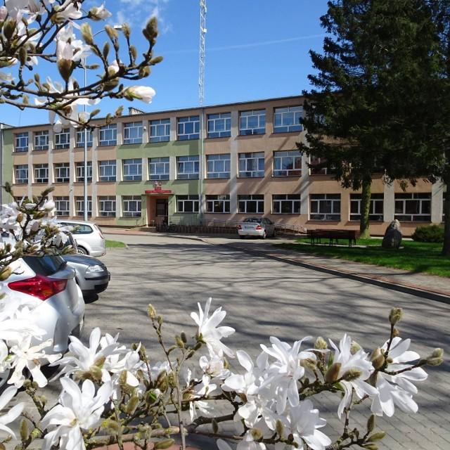 Sprowadzenie z Kazachstanu, uczniów polskiego pochodzenia rozważają władze samorządowe i dyrekcja Zespołu Szkół Rolniczych w Krzyżewie