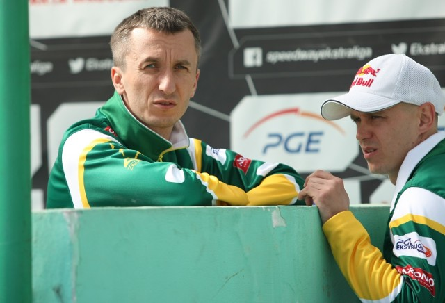 SPAR Falubaz to jedyna ekipa, która wygrała w tym sezonie we Wrocławiu (48:42). Jarosław Hampel (z prawej) zdobył wówczas 14+1 pkt (3,3,3,3,2), a Grzegorz Walasek dorzucił 8 (0,1,1,3,3).