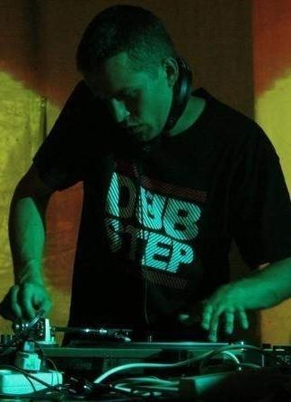grał z takimi sławami jak m.in. Congo Natty, London Electricity Live, czy Dub Fx.