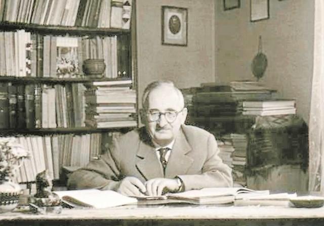 Henryk Barycz w podsłuchiwanym gabinecie, w mieszkaniu przy al. Słowackiego 15. Kraków 1961 r.