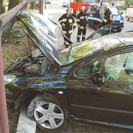 Jeśli zostałeś poszkodowany w wypadku, a uczestnicy nie wzywają policji, kierowcy muszą spisać oświadczenie