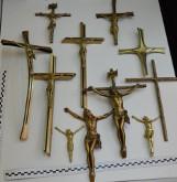 W Tczewie zatrzymano mężczyzę, który miał kraść krzyże z nagrobków