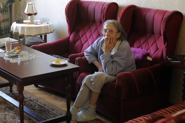 Pani Jolanta jest ciężko schorowanaChoroba Alzheimera powoduje, że często już nie rozpoznaje krewnych