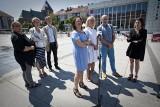 Rodzice i nauczyciele bronią dyrektora II LO w Koszalinie Wiktora Kamieniarza. Ratusz odpowiada [WIDEO]