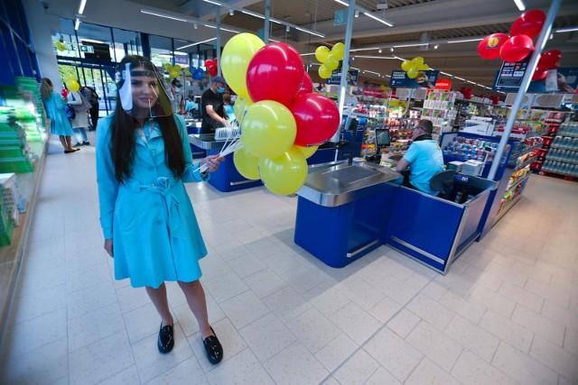 W czwartek, 15 października, Lidl otworzy swój 22. obiekt w Łodzi. Pierwsi klienci będą mogli wejść na zakupy już o godz. 6. WIĘCEJ CZYTAJ NA KOLEJNYCH SLAJDACH