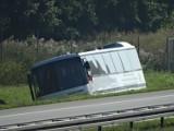 Wypadek na A2. Autobus z dziećmi wypadł na pobocze. Wycieczka z Białorusi jechała do Bawarii [ZDJĘCIA]